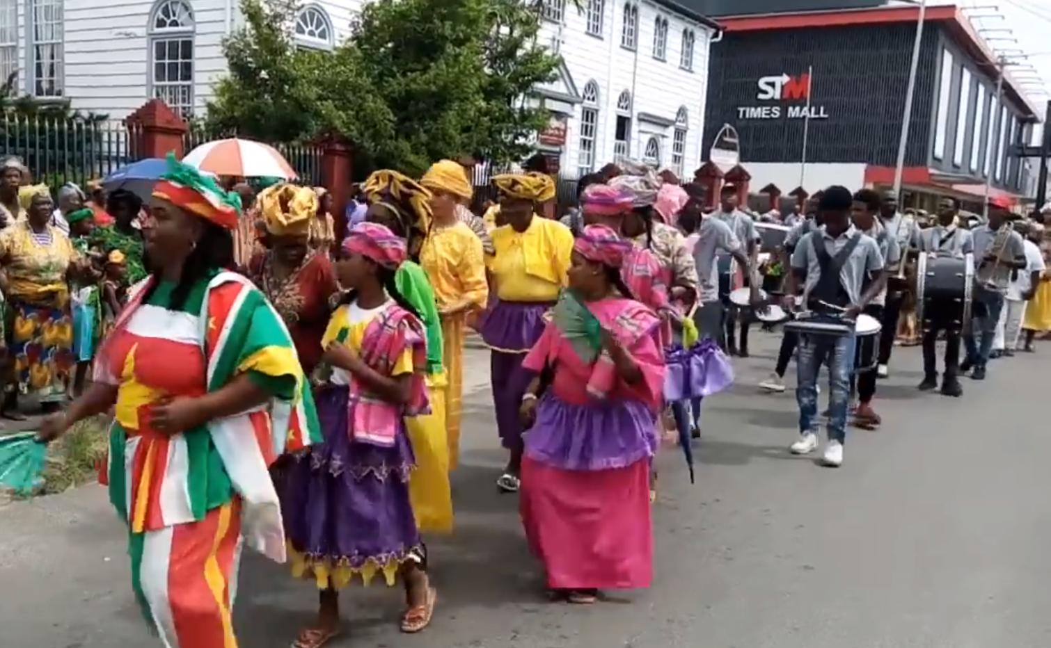 Bigi_spikri,_Suriname,_2018_-_1